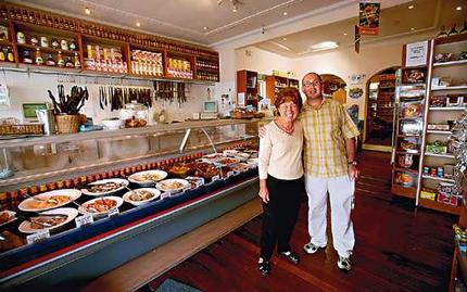 Bianca's Deli, Rosebay- Where expat South Africans can satisfy their culinary nostalgia..